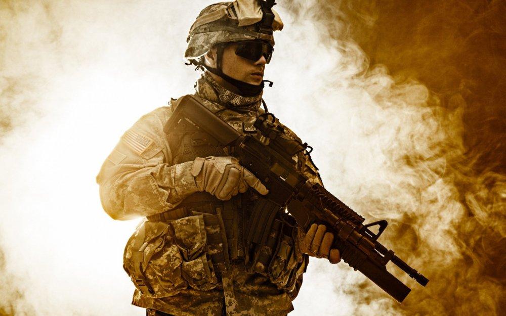 soldat-boets-oruzhie-uniforma-kamufliazh-shlem-ochki-perchat.jpg